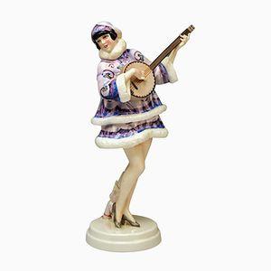 Skulptur der Banjospielerin Zerline Balten von Stefan Dakon für Goldscheider Wien, 1930er
