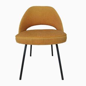 Sedia di velluto di Eero Saarinen per Knoll, anni '50