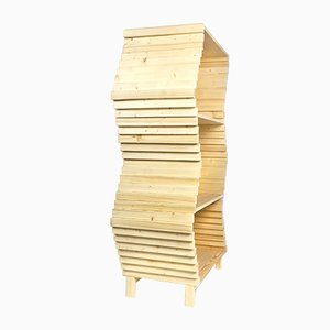 Wellenförmiges Bücherregal von Studio Lorier