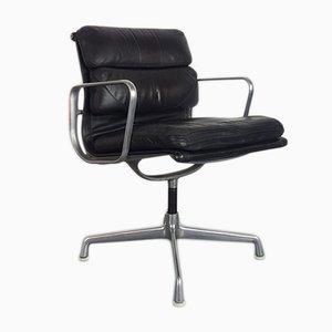 Schwarzer Vintage Soft Pad Group Stuhl aus Leder von Charles & Ray Eames für Herman Miller