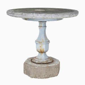 Mesa de jardín sueca antigua de hierro y piedra