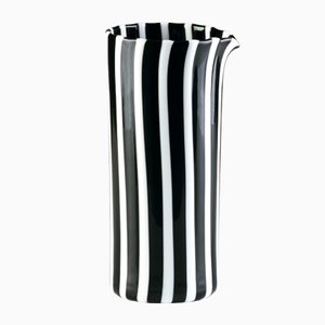 Pichet Pastelli Blanc Opalin et Noir par LPWK pour Puhro