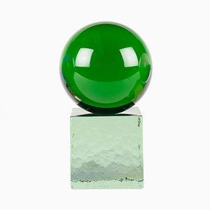 Escultura OH MY mini de vidrio en verde con base verde de Maria Gustavsson & Strups para Swedish Ninja