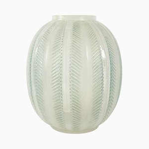 Vintage Biskra Vase aus Opalglas von René Lalique