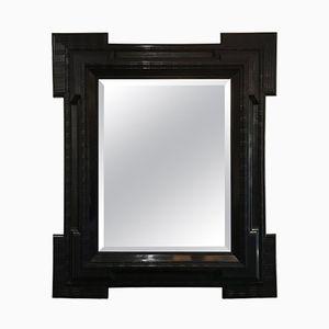 Großer antiker flämischer Spiegel mit ebonisiertem Riffelrahmen