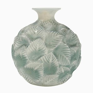 Vaso Ormeaux vintage in vetro opalino di René Lalique