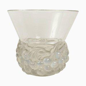 Vaso vintage in vetro opalino con ciliegie