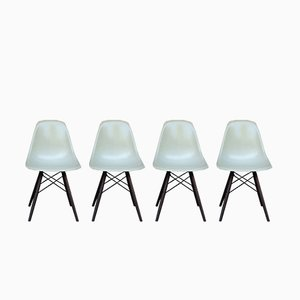 Cremefarbene DSW Stühle mit Stiftbeinen von Charles & Ray Eames für Herman Miller, 1970er, 4er Set