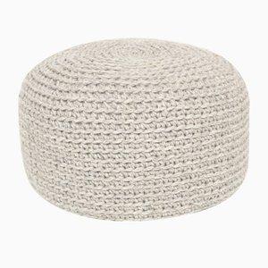 Puf de lana de ganchillo en gris de SanFates