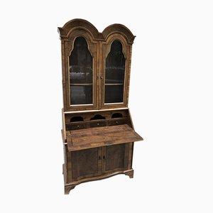 Mueble modernista con puerta abatible