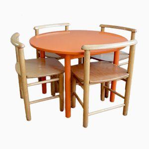 Tavolo vintage da bambino con quattro sedie