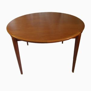 Tavolo da pranzo rotondo in teak di Henry Rosengren Hansen per Brande Møbelindustri, anni '60