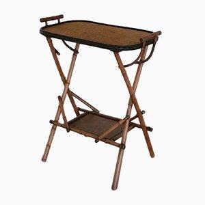 Mesa auxiliar antigua de bambú