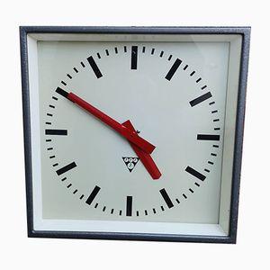 Horloge Carrée Industrielle Tchèque de Pragotron, 1960s