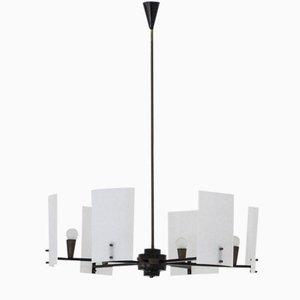 Lámpara de araña italiana de latón, hierro y plexiglás, años 50