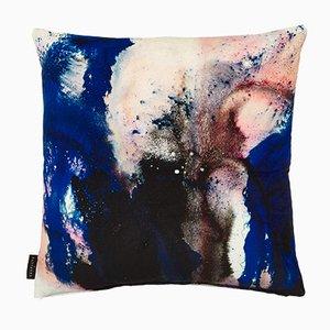 Cojín Beyond Nebulous en azul-rosa de 17 Patterns