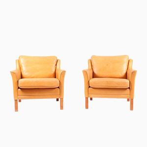Vintage Danish Lounge Chairs in Patinated Leather by Mogens Hansen, Set of 2