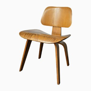 Chaise DCW par Charles & Ray Eames pour Herman Miller, 1950s