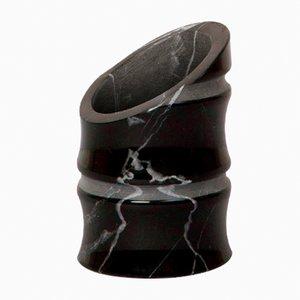 Jarrón Kadomatsu pequeño de mármol Marquina negro de Michele Chiossi para MMairo