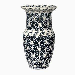 Vase Fan Flare par Dana Bechert, 2018