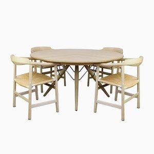 Mesa de comedor PP75 y cuatro sillas PP205 de Hans J Wegner para PP Mobler, años 80