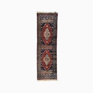 Langer pakistanischer Vintage Teppich