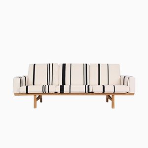 Vintage Modell GE236 3-Sitzer Sofa aus Eiche von Hans J. Wegner für Getama