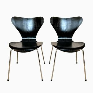 Vintage AJ 3107 Chairs in Lacquered Ash by Arne Jacobsen for Fritz Hansen, Set of 2