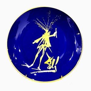 Plato Faust de porcelana Limoges en azul y dorado de Salvador Dali, 1968
