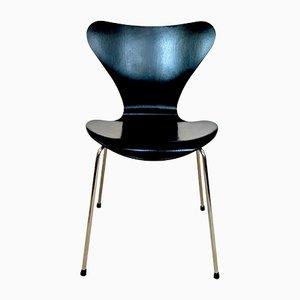 Sedia AJ 3107 vintage in frassino laccato di Arne Jacobsen per Fritz Hansen