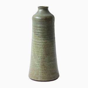 Vase aus Steingut mit matter hellgrüner Glasur von Heiner Balzar
