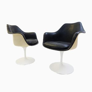 Vintage Tulip Armlehnstühle aus schwarzem Leder von Eero Saarinen für Knoll, 2er Set