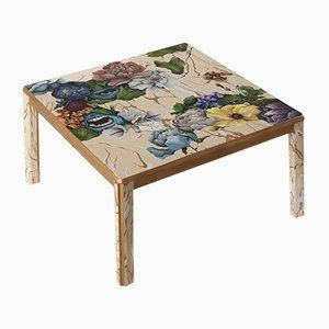 Tavolino da caffè modello 1 Funeral, 2 Faces dipinto a mano di Atelier MIRU