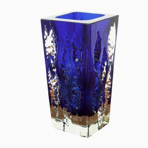 Jarrón austriaco de cristal hielo en azul y blanco de Glashütte Kurt Wokan, años 70