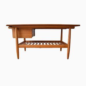 Tavolino da caffè in teak e quercia di Ejvind A. Johannsen per FDB, Danimarca, anni '50