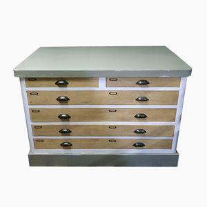 Dresser, 1970s