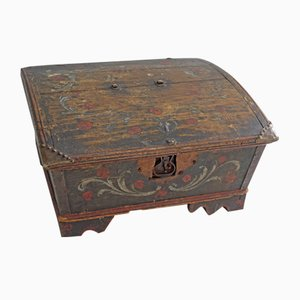 Small Antique Swedish Crate, 1820s