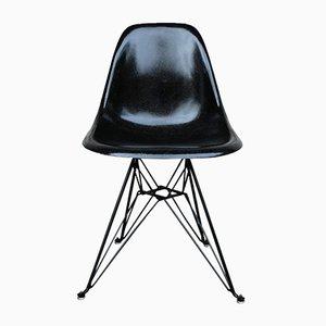 Silla DSR de fibra de vidrio negra de Charles & Ray Eames para Herman Miller, años 70