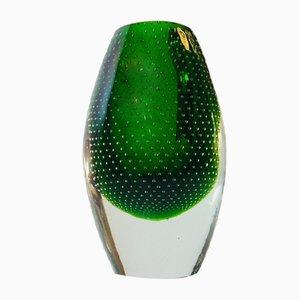 Jarrón finlandés de vidrio verde de Gunnel Nyman para Nuutajarvi Lasi Oy, años 40
