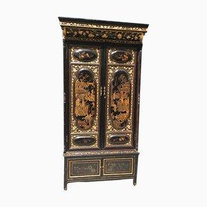 Antiker chinesischer Schrank mit Vergoldung & Bemalung