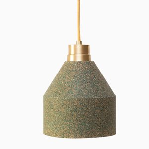 Lampe 70 WS en Liège Naturel et Vert par Paula Corrales Studio