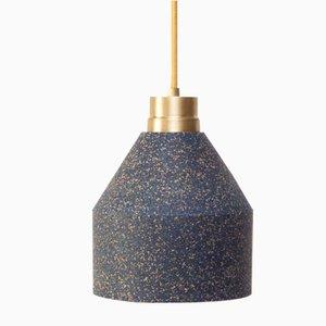 Lámpara 70 WS de corcho en azul y puntos pintados de Paula Corrales Studio