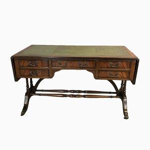 Schreibtisch aus Mahagoni mit eingelassenem Leder, 1950er