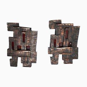 Brutalistische italienische Wandleuchten aus Bronze & rotem Glas, 1950er, 2er Set