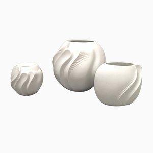 Jarrones Mid-Century de porcelana biscuit de Kaiser, años 60. Juego de 3