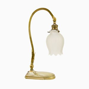 Tischlampe aus Bronze & Milchglas im Jugendstil