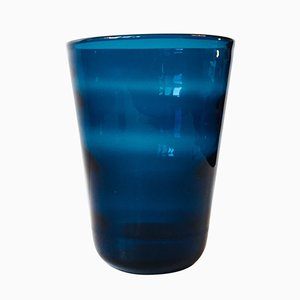 Jarrón Capri Mid-Century de vidrio azul de Jacob E. Bang para Holmegaard, 1961