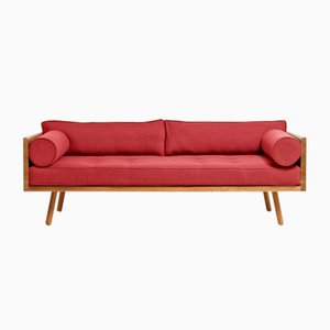 Series One Clyde Sofa in Rubinrot von Another Country