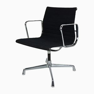 EA108 Stuhl aus Aluminium von Charles & Ray Eames für Vitra, 1970er