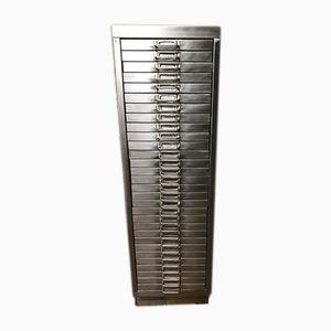 Archivador industrial vintage de metal con 30 cajones